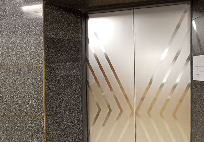 برچسب نقره ای کابین آسانسور